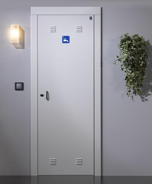 Puertas de paso recinto de contadores de agua for Armario contador luz